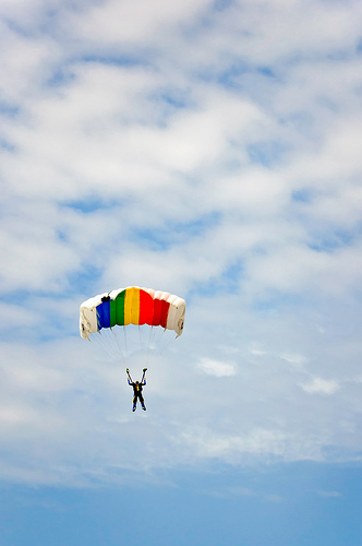Parachute via Horia Varlan, Flickr